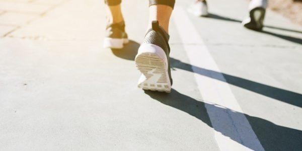 Peut-on vraiment perdre du ventre en marchant une heure par jour ?