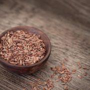 Maigrir avec la graine de lin : tout savoir sur la plante minceur